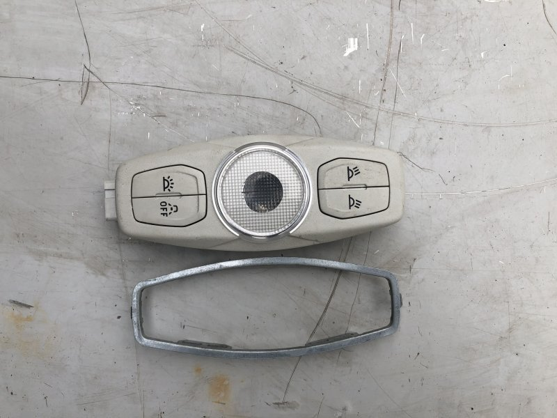 Диодный плафон освещения Ford Focus 3 (б/у)