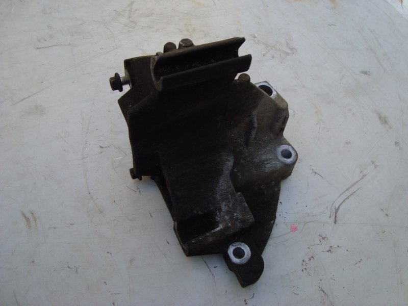 Кронштейн генератора Ford Focus 1 1.8 115 Л.С. (б/у)
