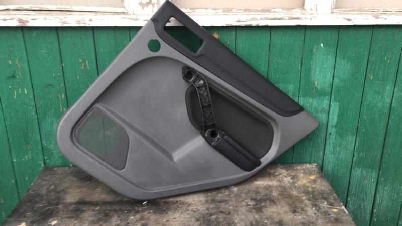 Обшивка двери Ford Focus 2 задняя правая (б/у)