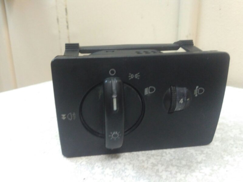 Блок управления светом Ford Focus 2 (б/у)