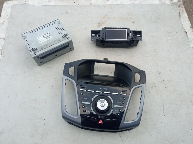 Комплект магнитолы рп7 Ford Focus 3 (б/у)