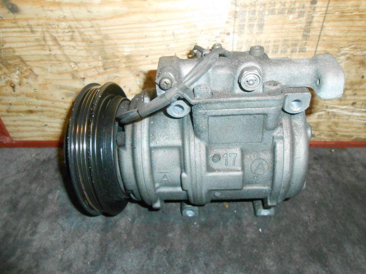 компрессор кондиционера Toyota 1KZ KZH106 б/у