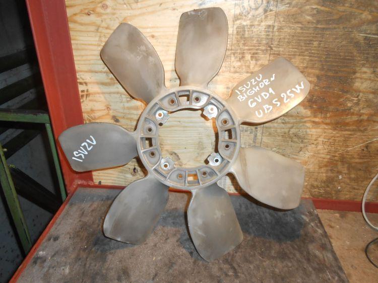 крыльчатка вентилятора Isuzu 6VD1 б/у UBS25