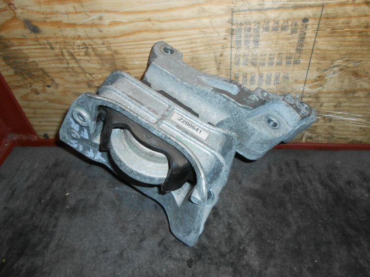 подушка ДВС правая Nissan Juke YF15 HR15  б/у 11210-1KA1A