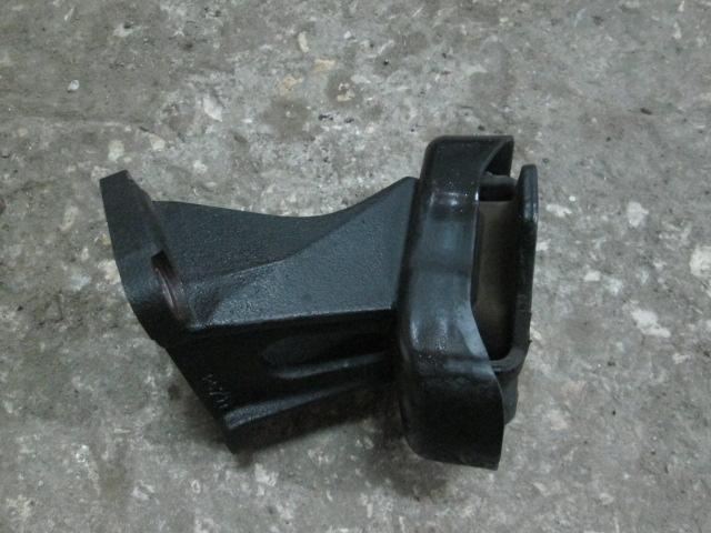 крепление подушки ДВС Toyota Surf KZN185 б/у