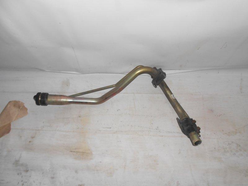 Горловина топливного бака Toyota Kluger MCU20 1MZ (б/у)