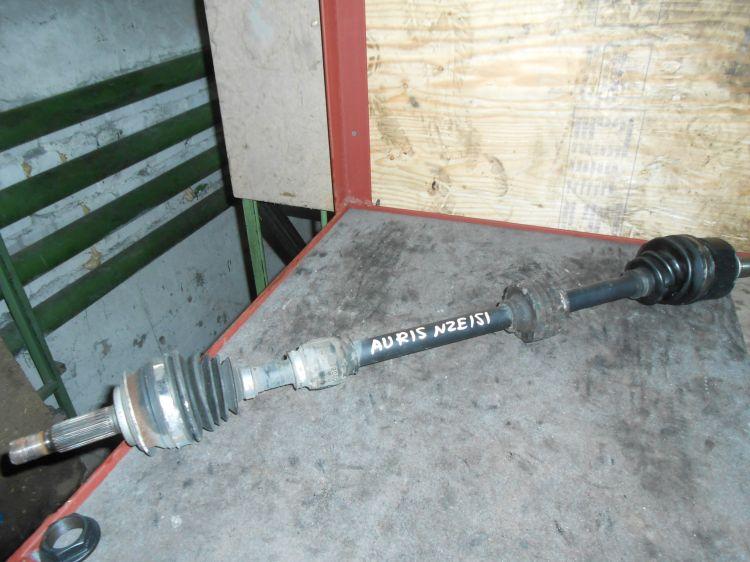 Привод Toyota Auris NZE151 передний правый (б/у)