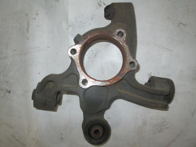 ступица задняя Suzuki Escudo TD54W R R б/у цапфа