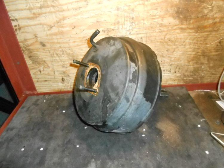 тормозной ваккум Isuzu Bighorn UBS25 б/у
