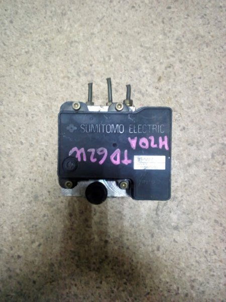 Блок abs Suzuki Escudo TD52W H25A (б/у)