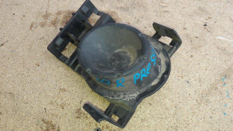 Заглушка бампера Nissan Presage U30 2001 правая (б/у)