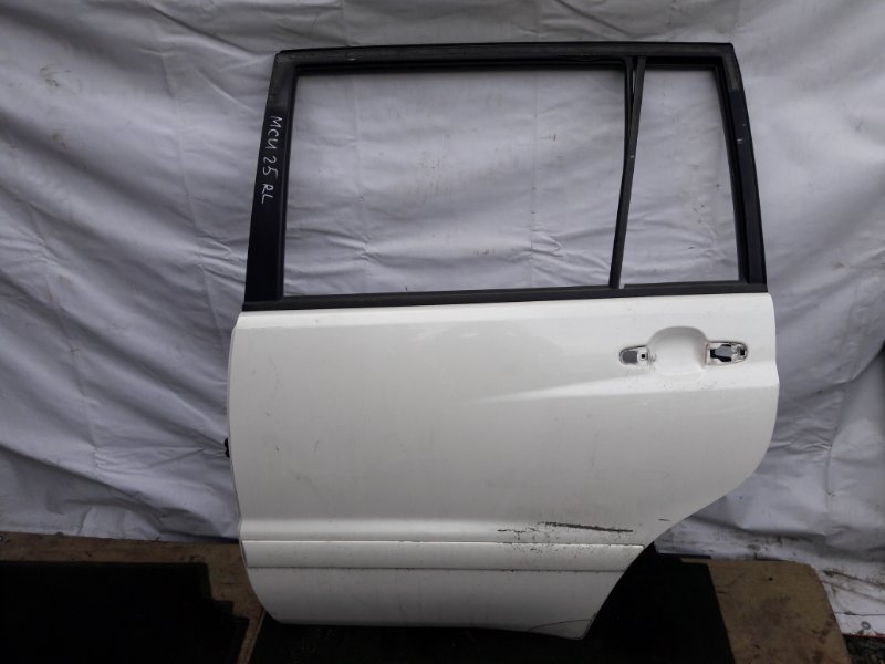 Дверь Toyota Kluger ACU20 задняя левая (б/у)