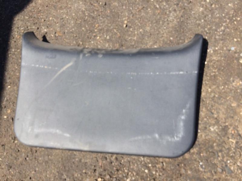 Обшивка двери багажника Toyota Ractis SCP100 (б/у)