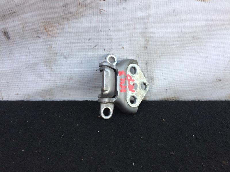 Петли задней двери Toyota Funcargo NCP20 нижние (б/у)