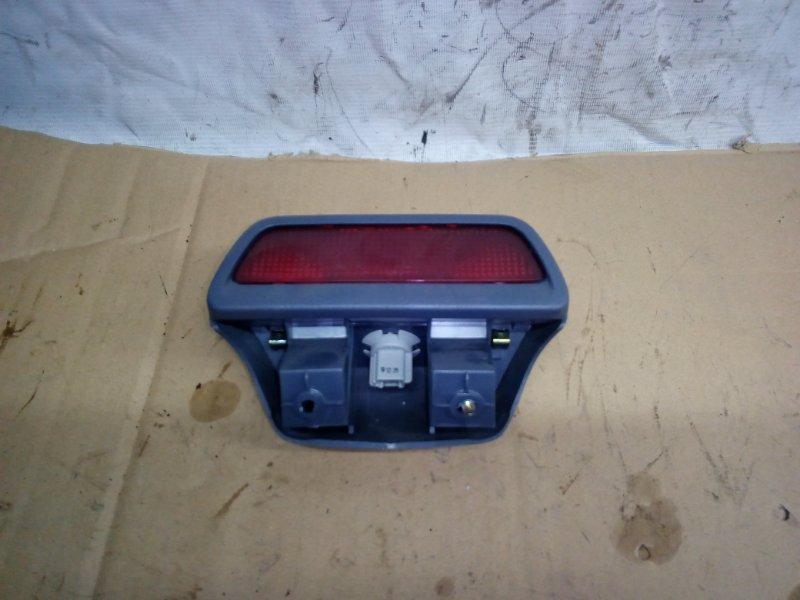Плафон Toyota Ipsum SXM10 задний (б/у)