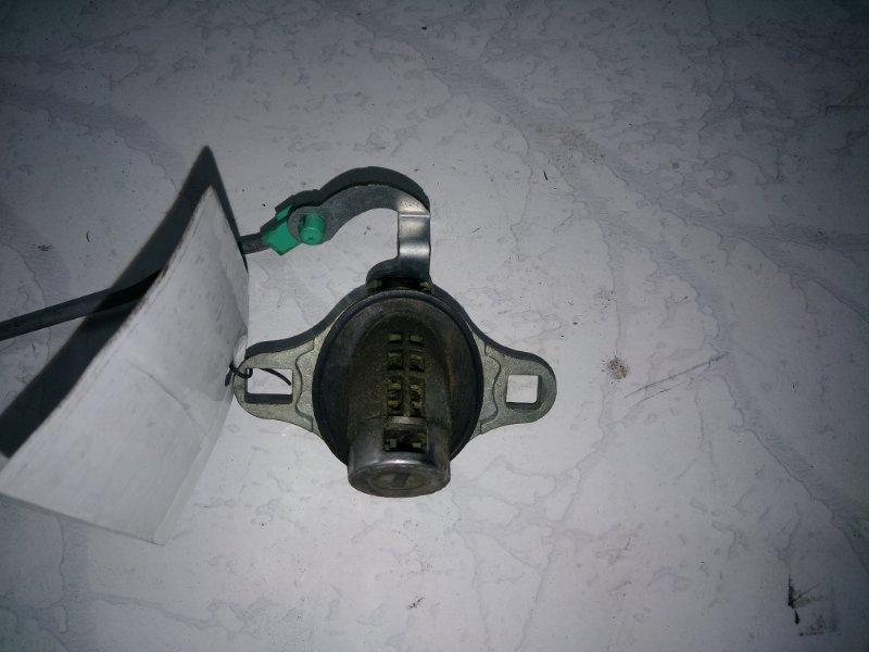 Личинка замка задней двери Mazda Premacy CP8W (б/у)