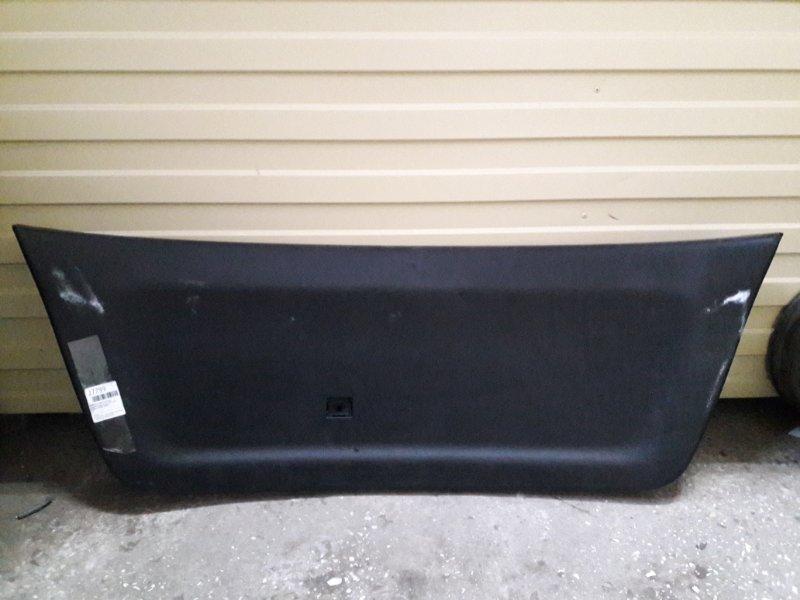 Обшивка двери багажника Toyota Kluger ACU20 2000 (б/у)