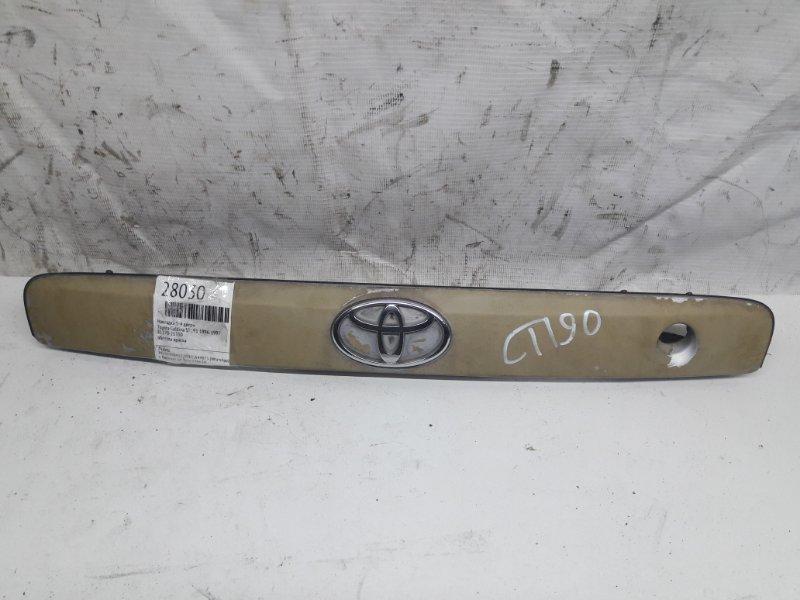 Накладка 5-й двери Toyota Caldina ST191 1996 (б/у)