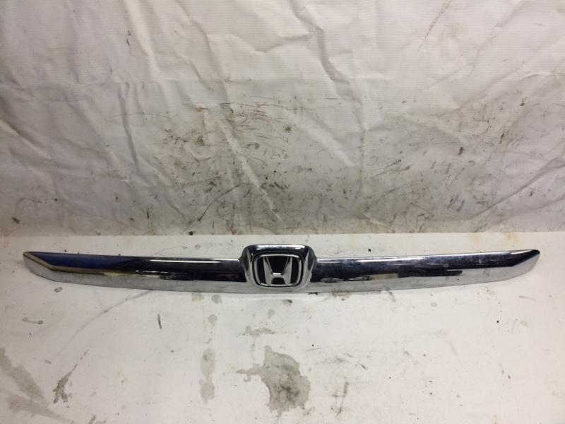 Накладка крышки багажника Honda Fit Aria GD6 (б/у)