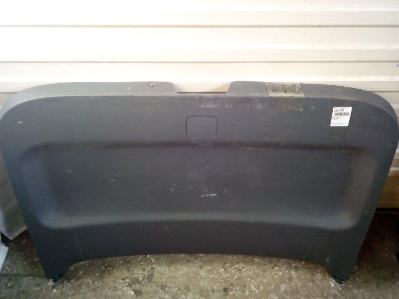 Обшивка двери багажника Toyota Voxy ZRR70 (б/у)