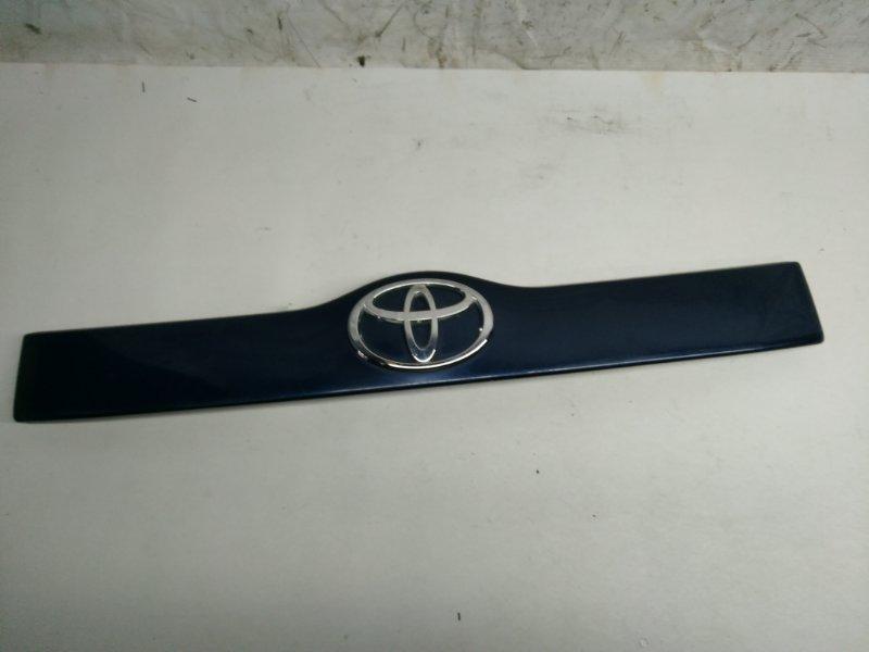Накладка 5-й двери Toyota Succeed NCP50 (б/у)