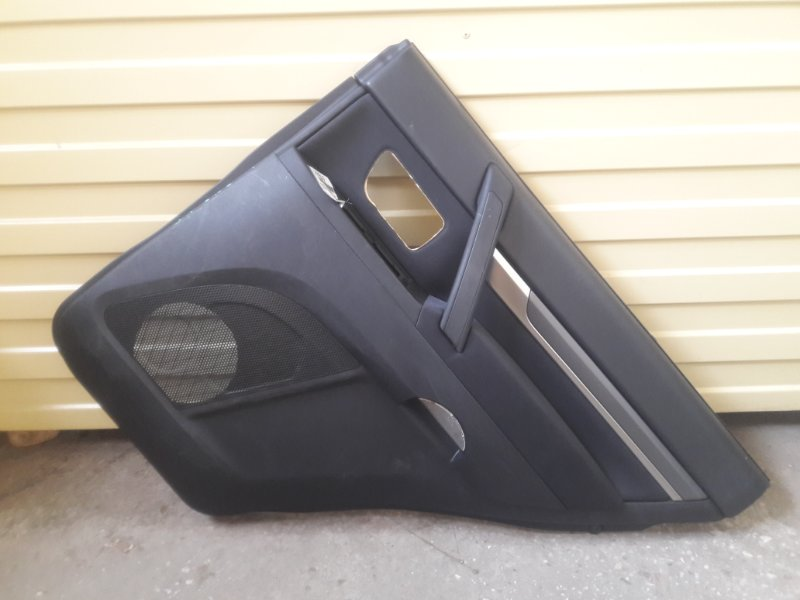 Обшивка двери Mitsubishi Pajero V93W 6G72 2006 задняя правая (б/у)