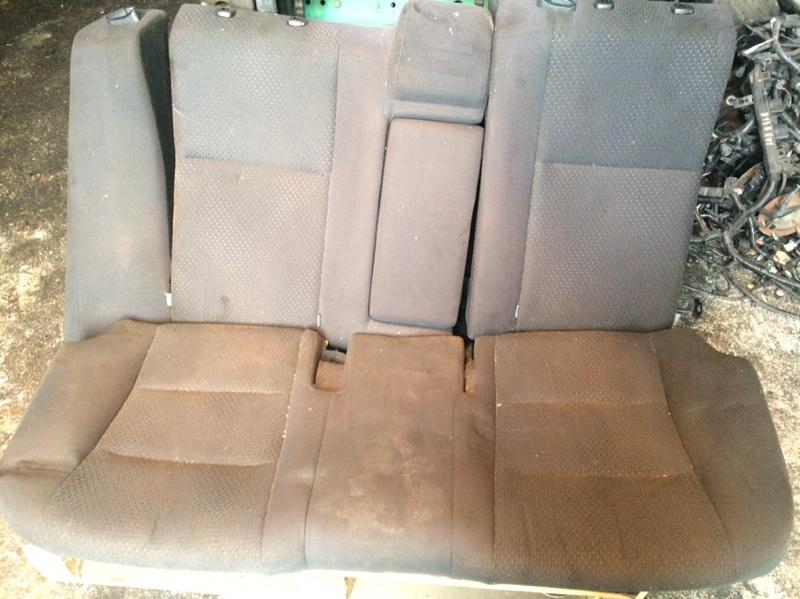 Сиденья Toyota Camry AVV50 задняя (б/у)