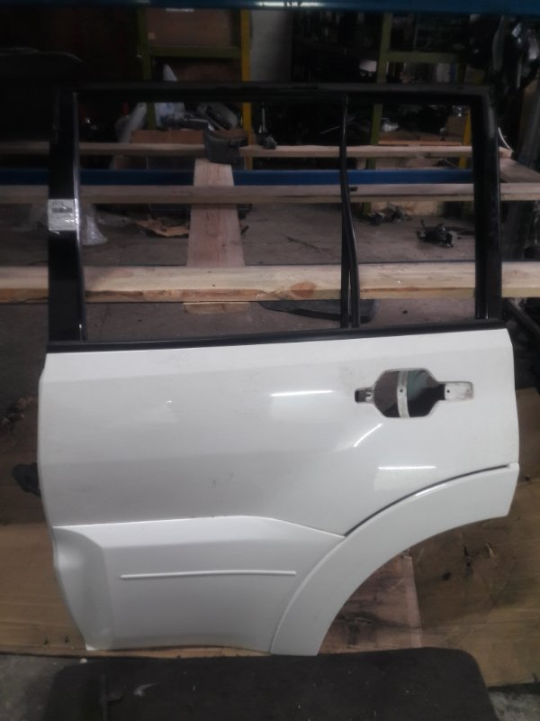 Дверь Mitsubishi Pajero V93W 6G72 2006 задняя левая (б/у)