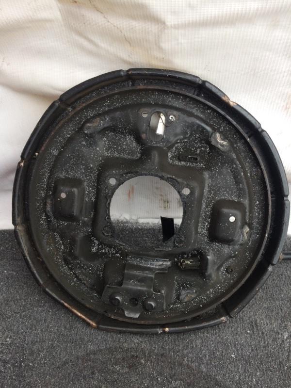Тормозной опорный щит Suzuki Escudo TD01W задний правый (б/у)