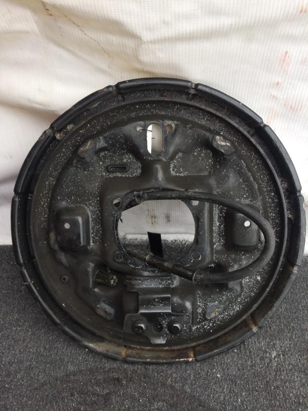 Тормозной опорный щит Suzuki Escudo TD01W задний левый (б/у)
