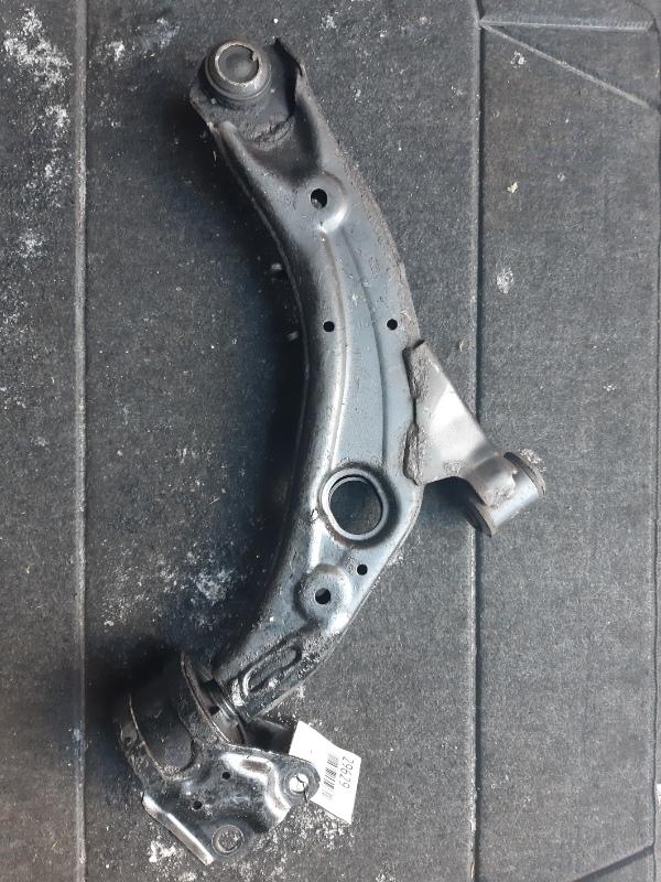 Рычаг Mazda Cx-7 ER3P передний правый (б/у)