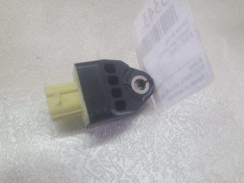 Датчик air bag Toyota Camry AVV50 (б/у)