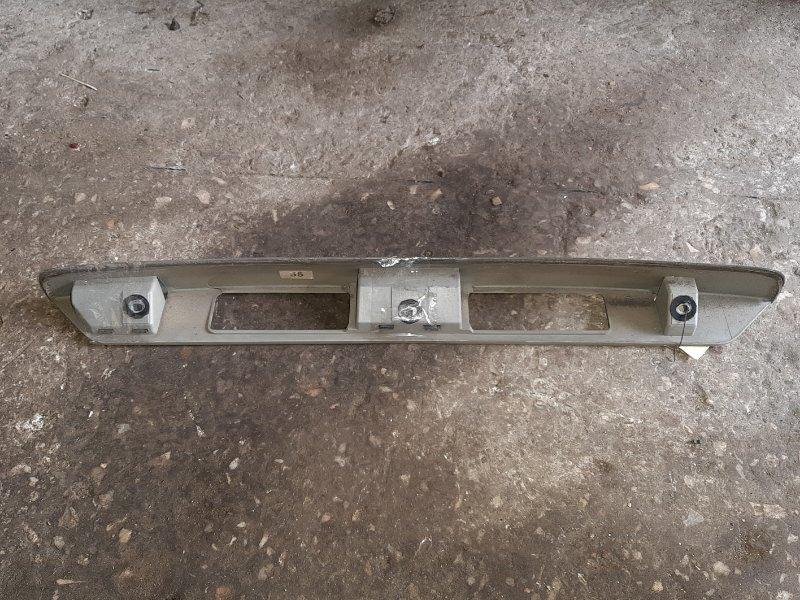 Накладка 5-й двери Mazda Demio DW3W (б/у)