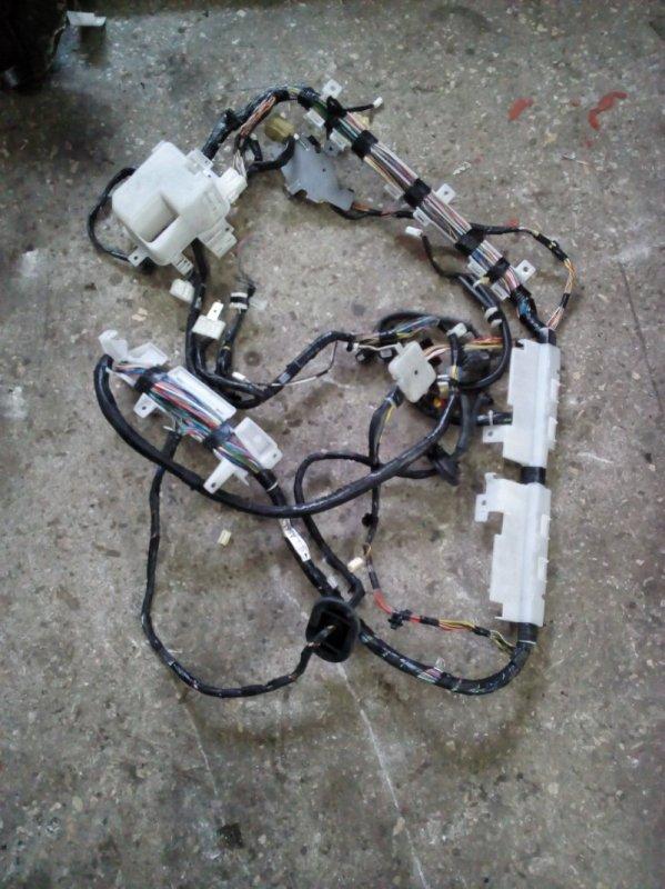 Проводка салона Mitsubishi Pajero V93W 6G72 2006 правая (б/у)