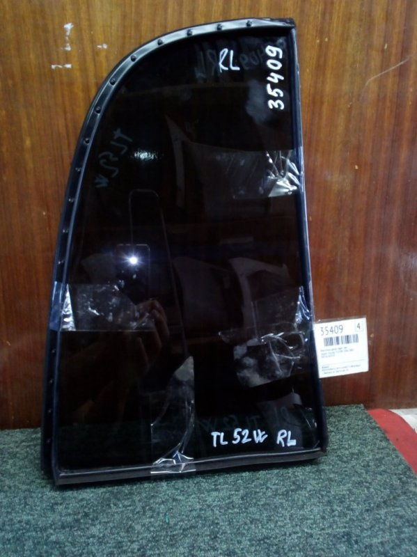 Форточка двери Suzuki Escudo TL52W J20A 2002 задняя левая (б/у)