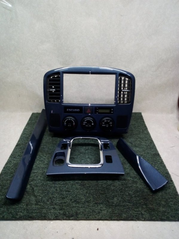 Накладки на панель Suzuki Escudo TL52W J20A 2002 (б/у)