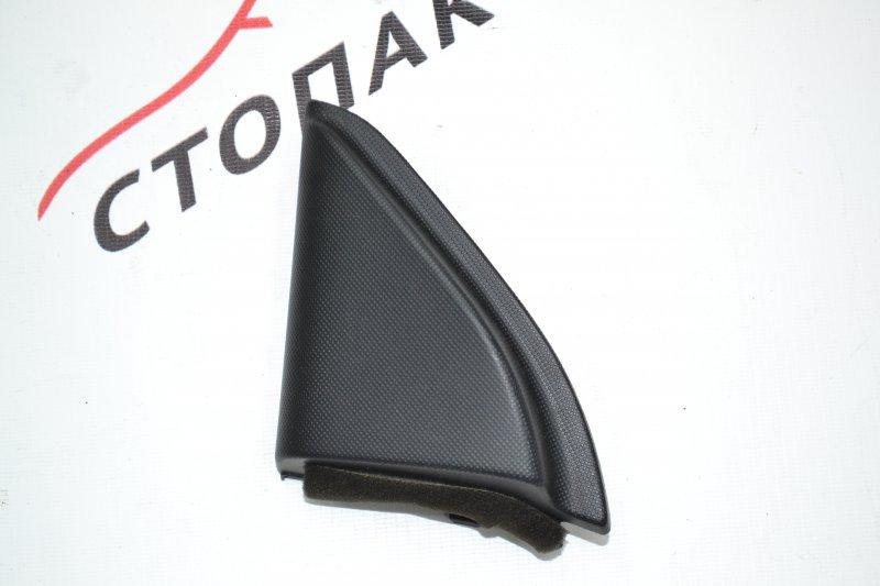 Уголок двери Toyota Corolla NZE120 1NZ 2000 передний левый (б/у)