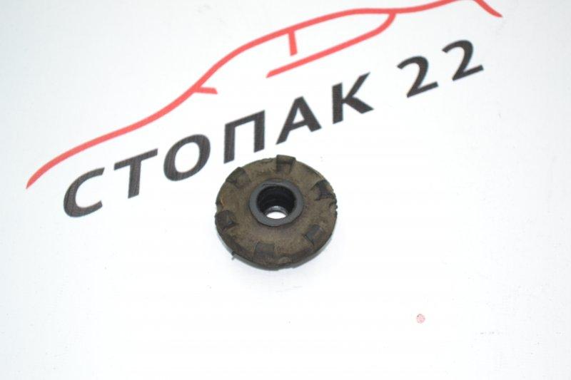 Подушка радиатора Toyota Corolla NZE120 1NZ 2000 нижняя (б/у)