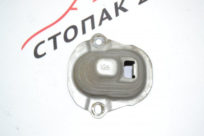 Кронштейн бампера заднего Toyota Corolla NZE120 1NZ 2000 задний (б/у)