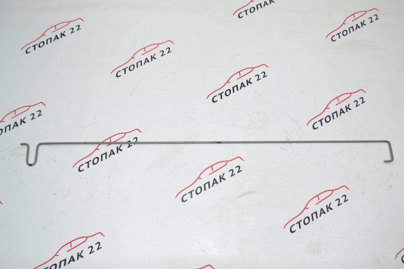 Амортизатор багажника Toyota Corolla NZE120 1NZ 2000 (б/у)