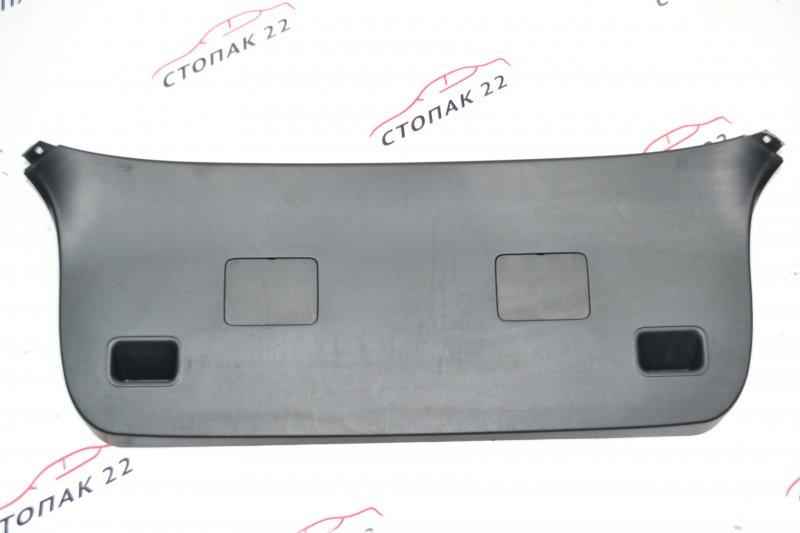 Обшивка крышки багажника Toyota Runx NZE121 1NZ 2003 (б/у)