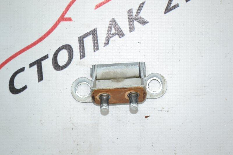 Петля крышки багажника Toyota Runx NZE120 1NZ 2000 (б/у)