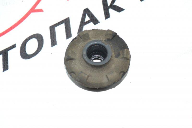 Подушка радиатора Toyota Corolla NZE120 1NZ 2000 (б/у)