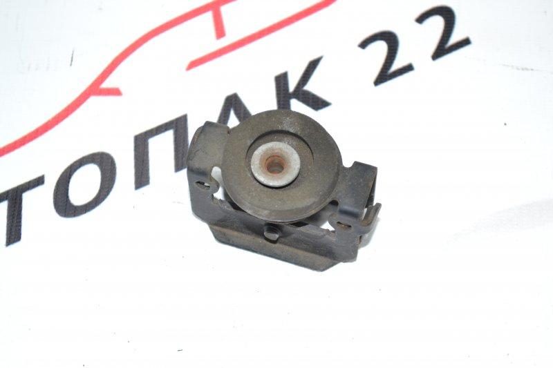 Крепления радиатора кондиционер Toyota Corolla NZE120 1NZ 2000 (б/у)