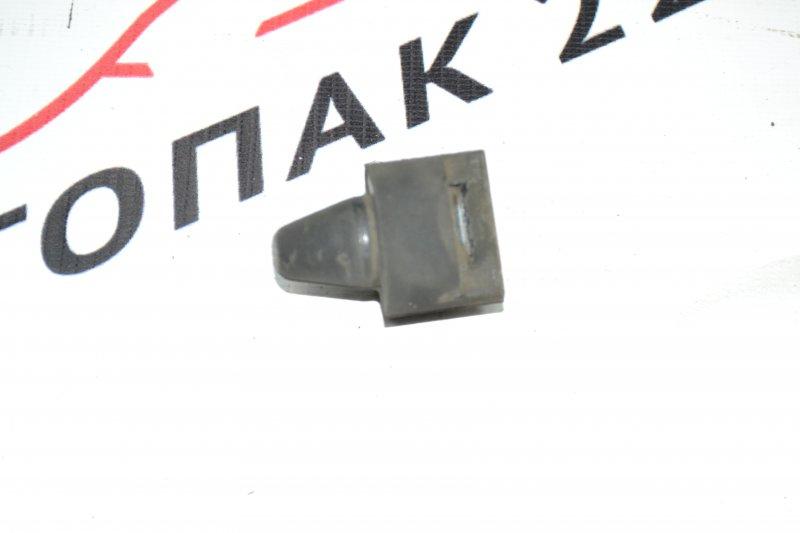 Подушка радиатора кондиционера Toyota Corolla NZE120 1NZ 2000 нижняя (б/у)