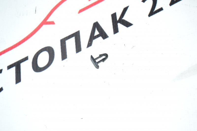 Клипса Toyota Corolla NZE120 1NZ 2000 (б/у)