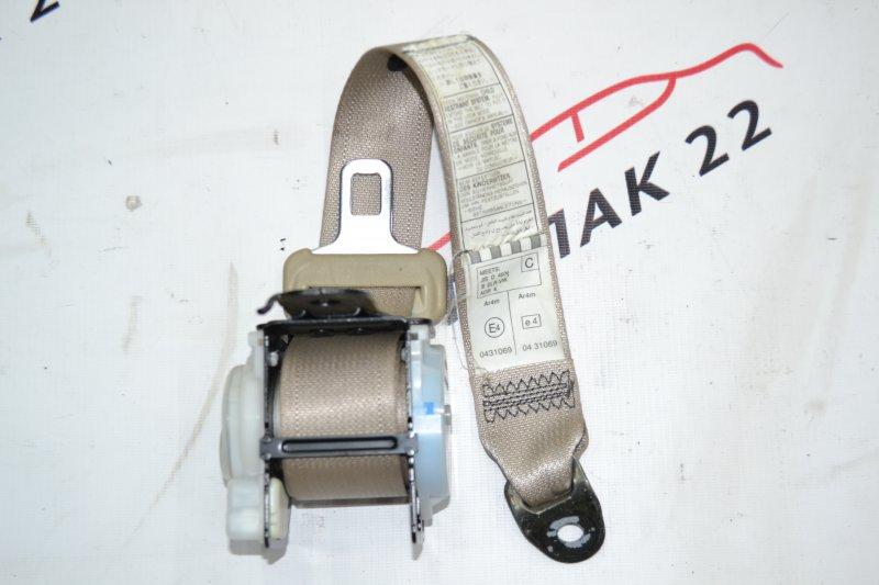 Ремень безопасности Toyota Runx NZE120 1NZ 2000 задний правый (б/у)