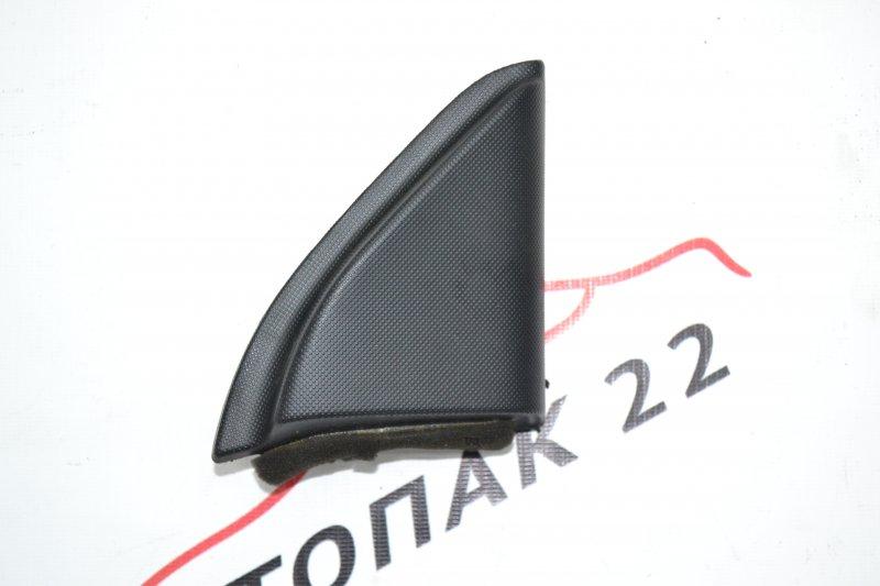 Уголок двери Toyota Corolla NZE120 1NZ 2000 правый (б/у)