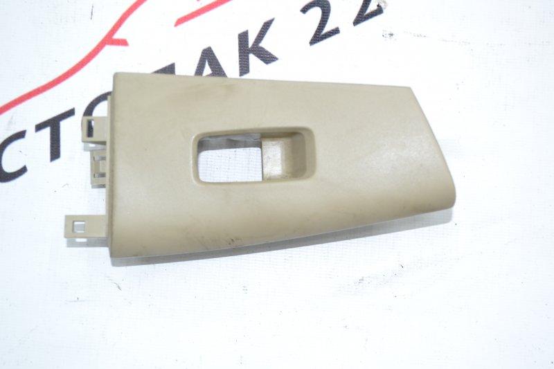 Накладка кнопки стеклоподьёмника Toyota Runx NZE121 1NZ 2003 передняя левая (б/у)
