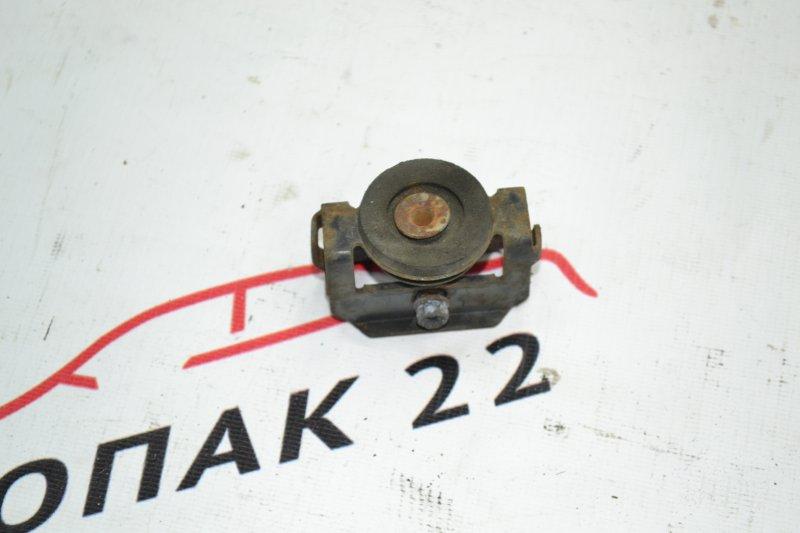 Крепление радиатора кондиционера Toyota Corolla NZE120 1NZ 2000 (б/у)